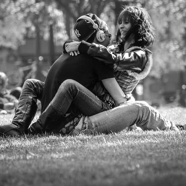 sevgiliyi kendine bağlamanın yolları